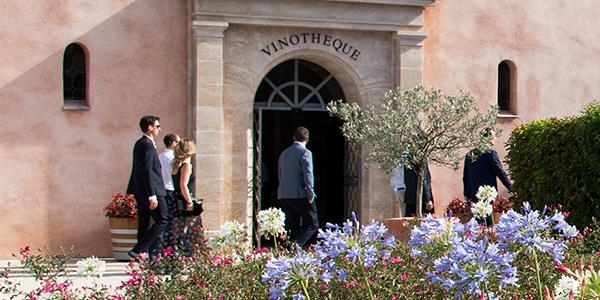 Entrée vinothèque Saint Julien d'Aille